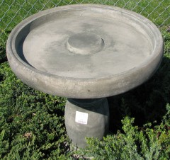 Image of top view of previous birdbath image
