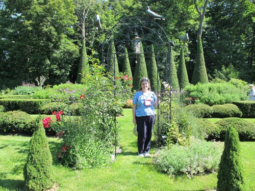Kathy Purdy, author of ColdClimateGardening.com, visiting a Quebecois garden