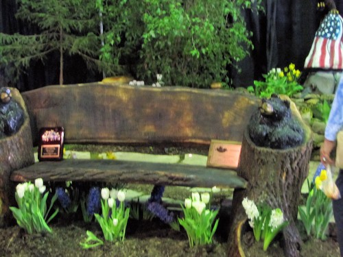 bear bench at Rochester garden show