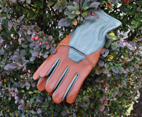 Forester garden gloves by Fields and Lane