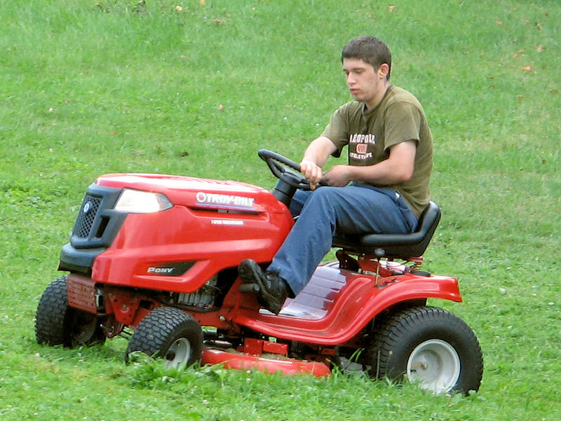 Troy Bilt Pony Lawn Tractor Review