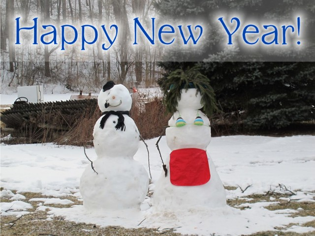 snow couple happy new year featured image