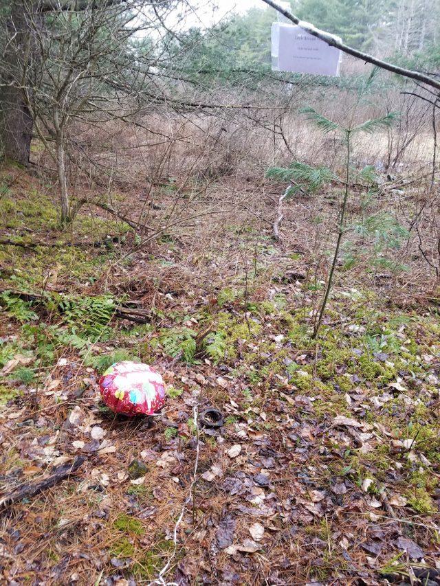 balloon with last clue of birthday treasure hunt